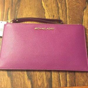 Michael Kors Lg Leather Zip Clutch